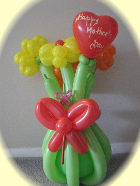 cn   气球造型艺术就是用气球做出各种各样的小动物,植物,花朵,日用品