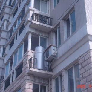 浙江家用空气能热水器机组图片