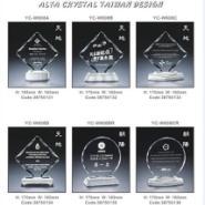 水晶内雕奖牌图片