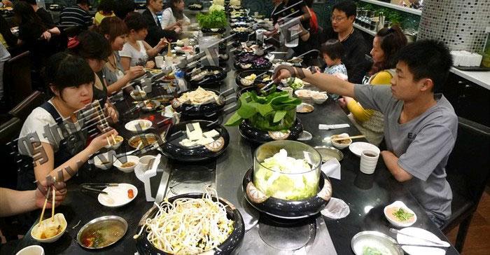 山西回转寿司设备多少钱,火锅输送线多少钱,自助火锅设备规模大