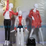 东莞玻璃钢模特厂图片