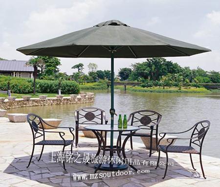 供应户外休闲铸铁桌椅图片