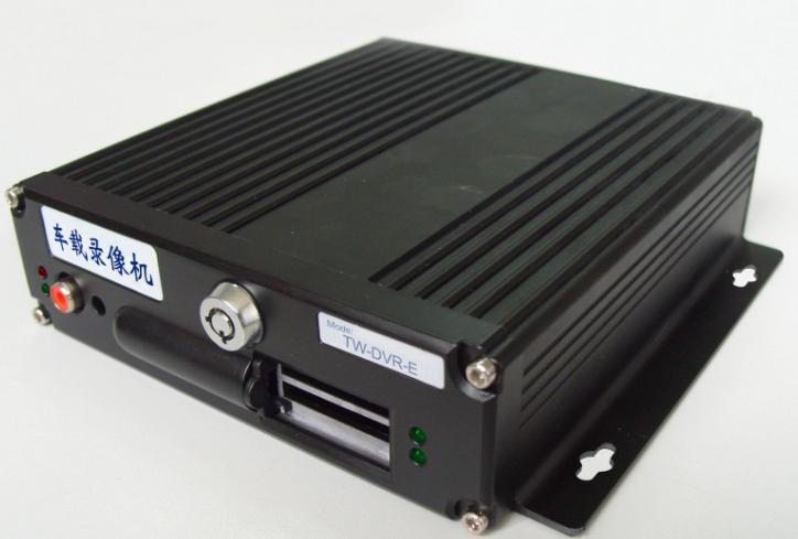 供应欣视宝4路SD卡3G无线实时车载视频监控套装