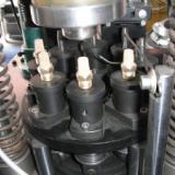 供应乐清全自动消声器铆合机
