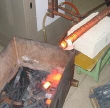 供应圆钢棒料加热炉/高速钢罗纹钢感应加热锻造专用设备-华锐制造批发