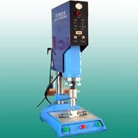 供应润滑油桶盖超声波焊接机