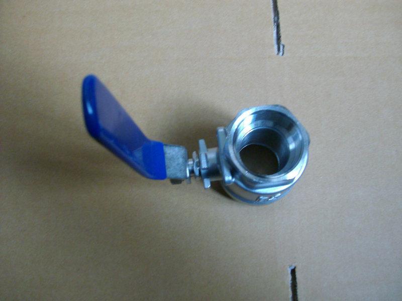 供应片式球阀、丝扣球阀、三片式球阀、气动球阀、电动球阀