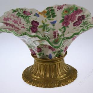 绿边紫色花草通景彩敞口陶瓷荷叶盆图片
