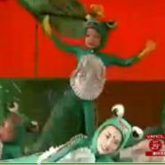 供应可爱卡通服装青蛙服出租定做 儿童乐园 幼儿表演