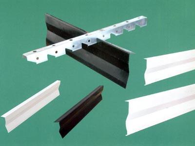供应优质铝挂片天花/四川铝扣板/叶片