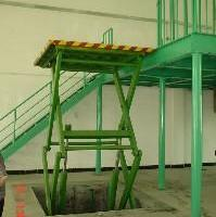 供应深圳规模最大的固定式升降平台厂家