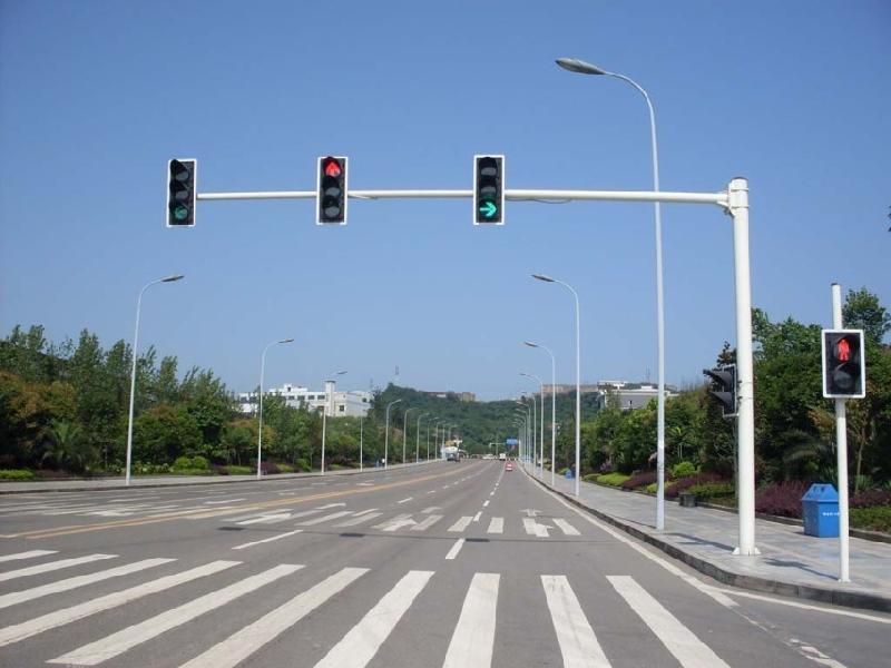 红绿灯右转弯车道图解 三车道红绿灯规则图解 十字路口右-十字路口