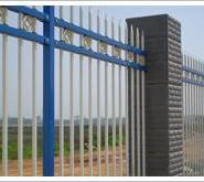 河北厂家供应铁艺护栏网小区隔离栅图片