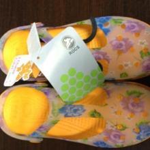 目前最流行凉鞋玛丽珍洞洞鞋花园鞋