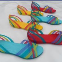 供应北京最流行的变色洞洞鞋七彩凉鞋