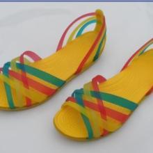 供应变色洞洞鞋新款找潘婷13790528552