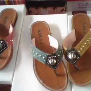 丽水库存女靴-丽水库存休闲鞋-图片