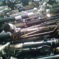 供应奔驰S350方向机,水泵,电子扇,三元催化,发电机,冷气泵等配件