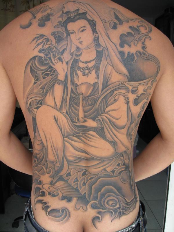 观音图片|观音样板图|后背纹身观音坐鱼-大唐刺青-后背简单好看的纹身图片