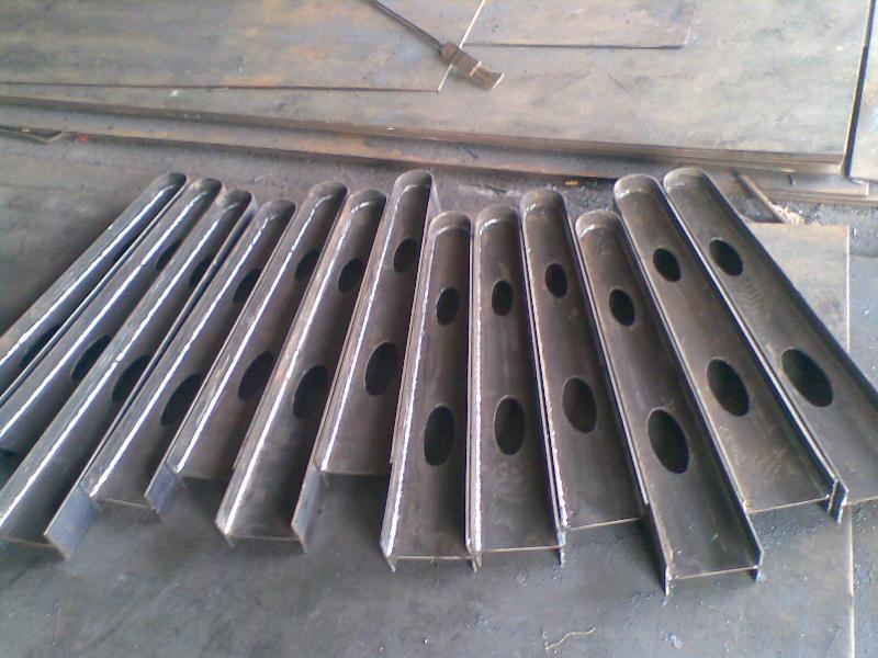 供应山东雨棚钢梁厂雨棚加工