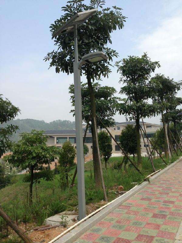 供应新疆哈密伊犁库尔勒乌市塔城吐鲁番新农村建设用太阳能路灯