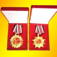 河南周口企业周年纪念银币Ag999纯银纪念章定制案例图片