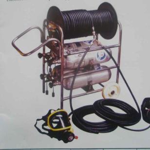 配有4只碳纤气瓶长管呼吸器图片