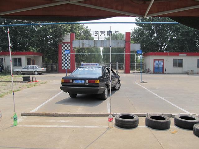 路畅陪练帮助新手上路汽车漂移图片高清图片