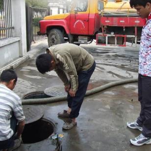 江苏无锡现代新型清理设备清理化粪图片