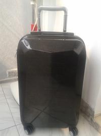 供应碳纤维旅行箱包