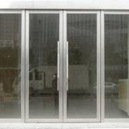 西安玻璃地弹门供应商图片