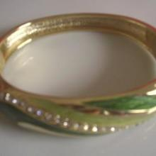 供应陶瓷瓷器小饰品挂件首饰项链手镯定做加工13979889711