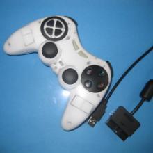 供应PS2有线游戏手柄双马达双震动超强手感批发