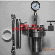 石油化工仪器法兰反应釜等图片