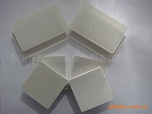 铸铝用蜂窝陶瓷过滤器图片