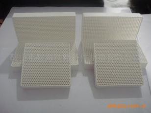 用蜂窝陶瓷铸造过滤器找宁源图片