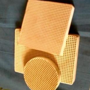 铸造用蜂窝陶瓷过滤器批发图片