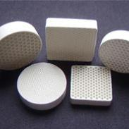 铸造专用蜂窝陶瓷直孔过滤片图片