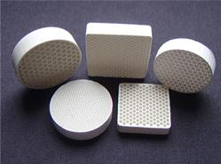 直孔陶瓷过滤网图片