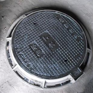 格尔木球墨井盖上下水管图片