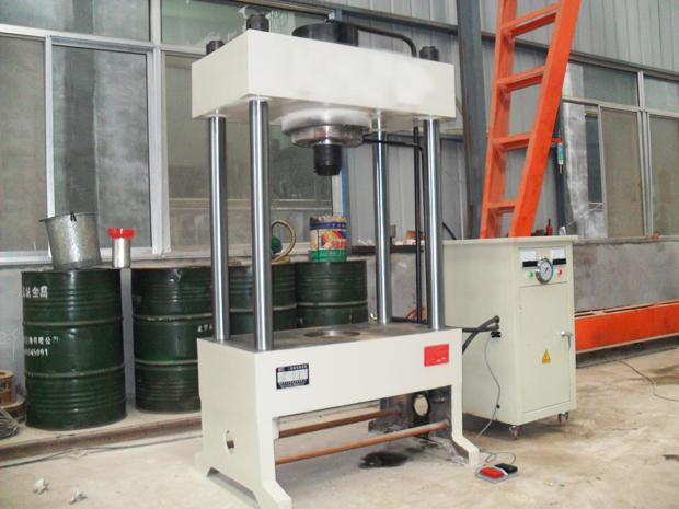 液压机供应商/生产供应150t-四柱两梁液压机-南京图片