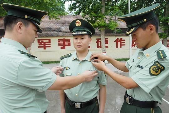 陆军军官短袖夏常服_广东广州 07夏常服07 春秋常服生产供应商:供应 07