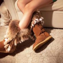 供应新款狐狸毛兔毛流苏皮草雪地靴女靴真皮雪地靴牛皮雪地靴皮毛一体中筒雪地靴高筒百搭雪地靴厂家销售雪地靴来样定做批发