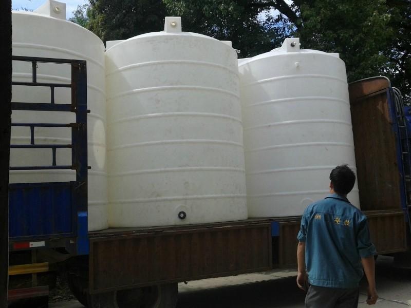 供应优质15吨储水罐生产厂家/湖南15吨立式储罐/耐酸碱储罐批发