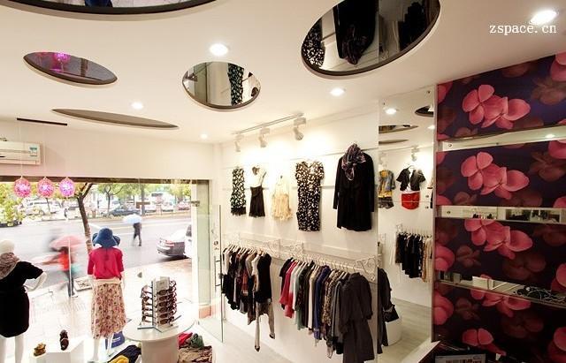 长方形服装店装修设计_长方形服装店效果图图片