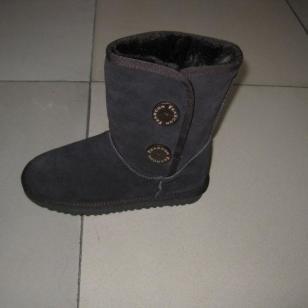 新款时尚靴雪地鞋图片