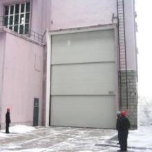 供应潍坊多段提升门平开门电动推拉门欧式保温卷帘门图片