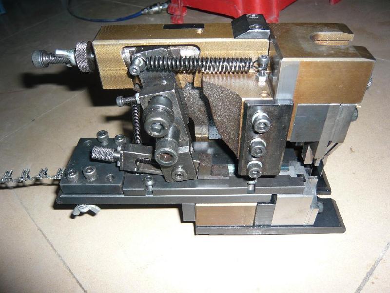供应端子机专用2000型横模