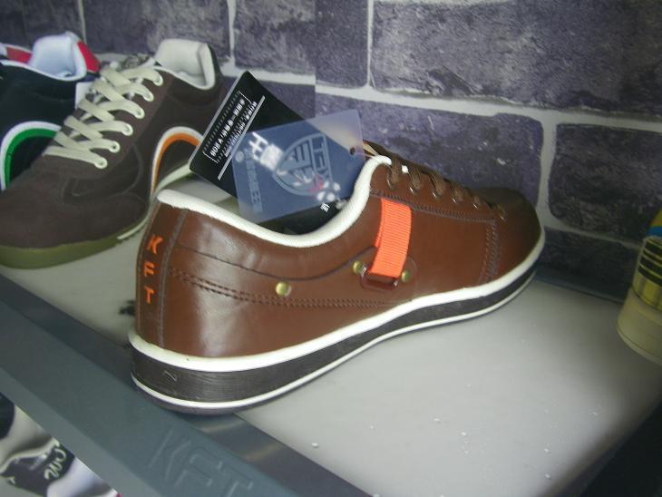 黑色/供应脚王休闲皮鞋棕色黑色
