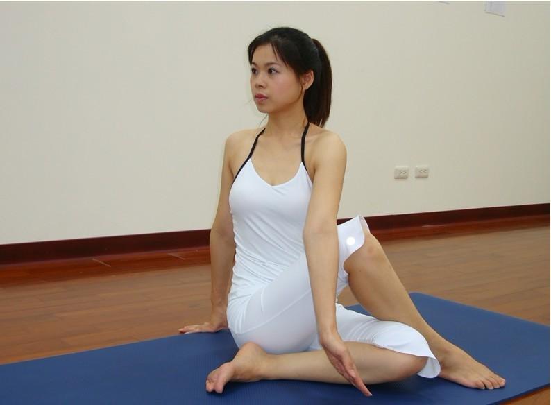 """做瑜伽致脑子""""漏水"""" 中年女性多注意"""